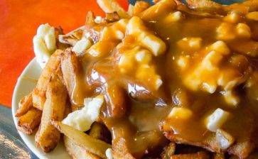 How to Eat: Poutine