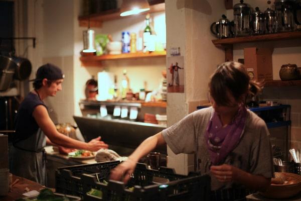 Eat kitchen