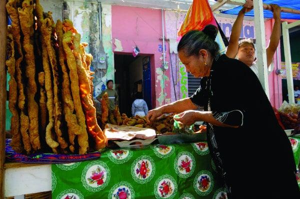 mexico_tlacolula-market-chicharrones