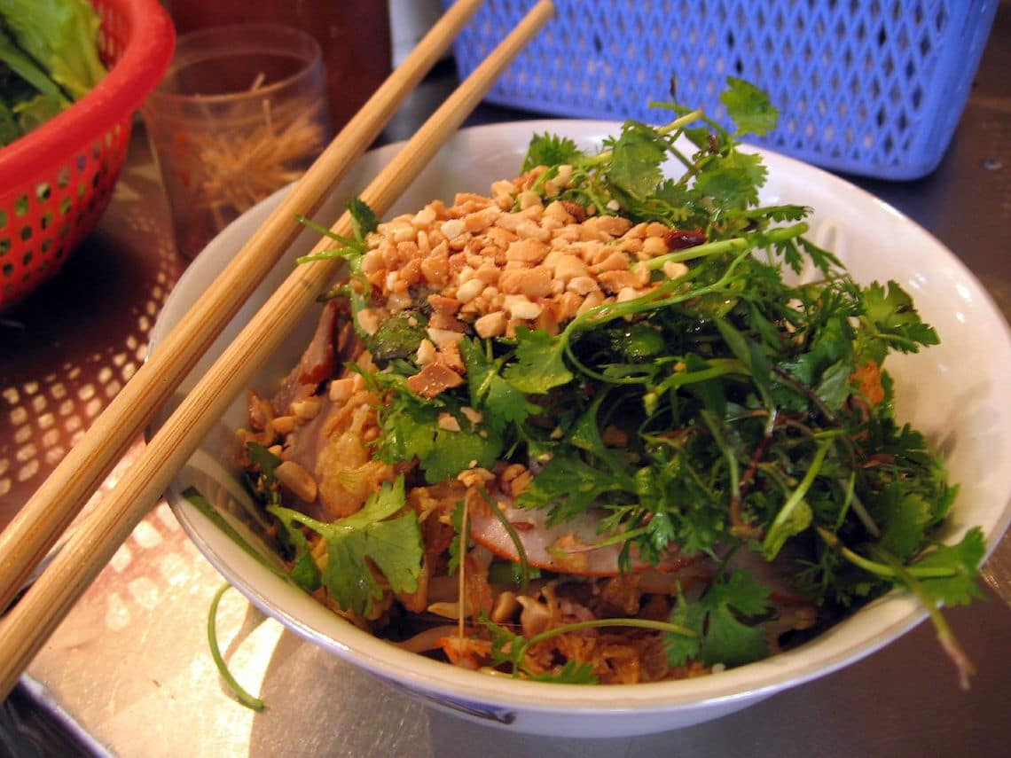The best bowl of bún bò in Hanoi can be found at Bún Bò Nam Bộ. (Photo Credit: Bun bo nam bo by Flickr user riverdaleto)