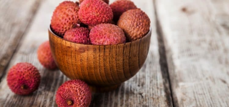 How to Eat: Lychees