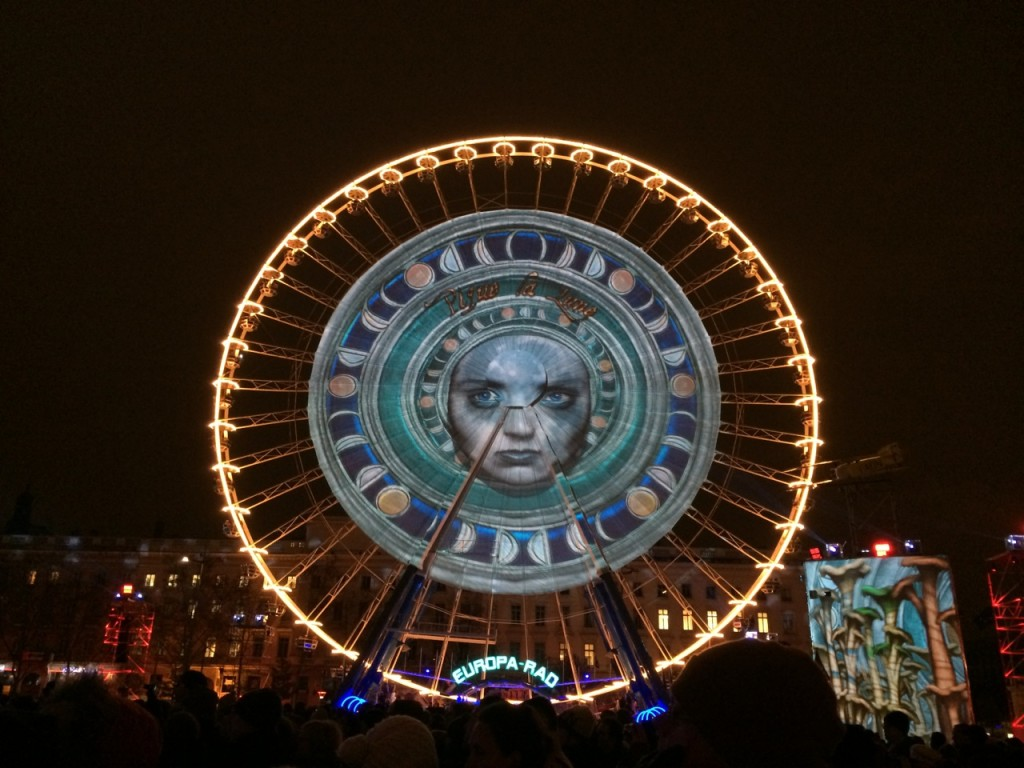 The Grande Roue on Place Bellecour is turned into a magical painting (photo credit: Blog Thé Vert et Haricots Rouges)