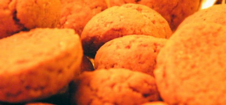 How to Eat: Kruidnoten