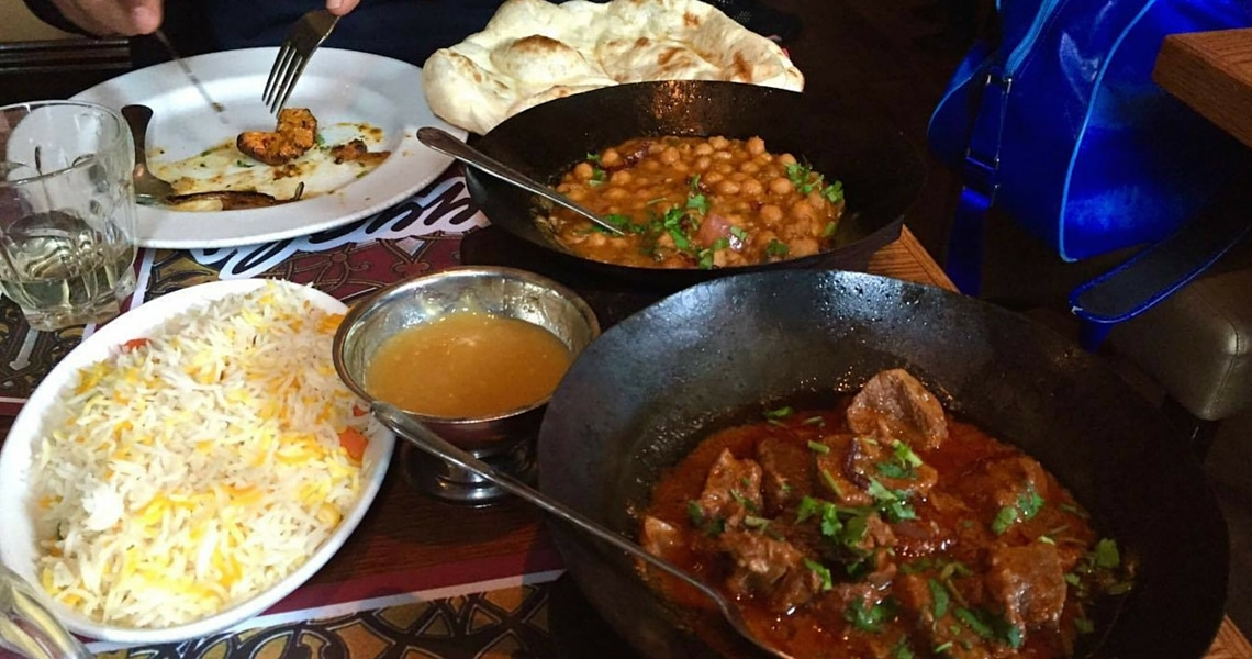 Tayyabs in Whitechapel is a favorite place for affordable, mouthwateringly good curries and mixed grill. (photo credit by The Hibiscus Traveller)