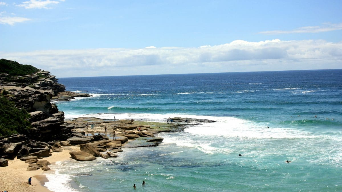 Great surfing beaches with a beautiful scenery from Bondi Beach to Coogee Beach. (Photo Credit: Soraya Lemmens)