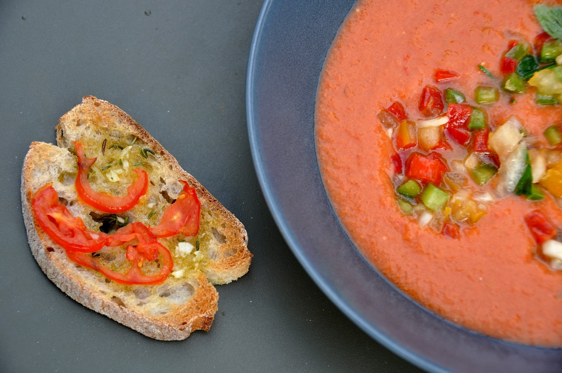 Gazpacho with toasted bread. (Photo Credit: Gazpacho med bruschetta by Flickr User Cyclonebill)