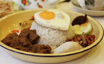 Food Postcard: Rendang