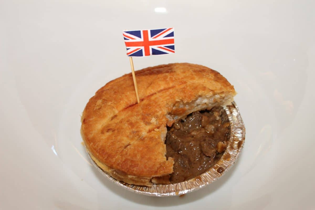 A traditional British meat pie with steak, onion and gravy which is packed in a cornish pastry. (Photo credit: Soraya Lemmens).