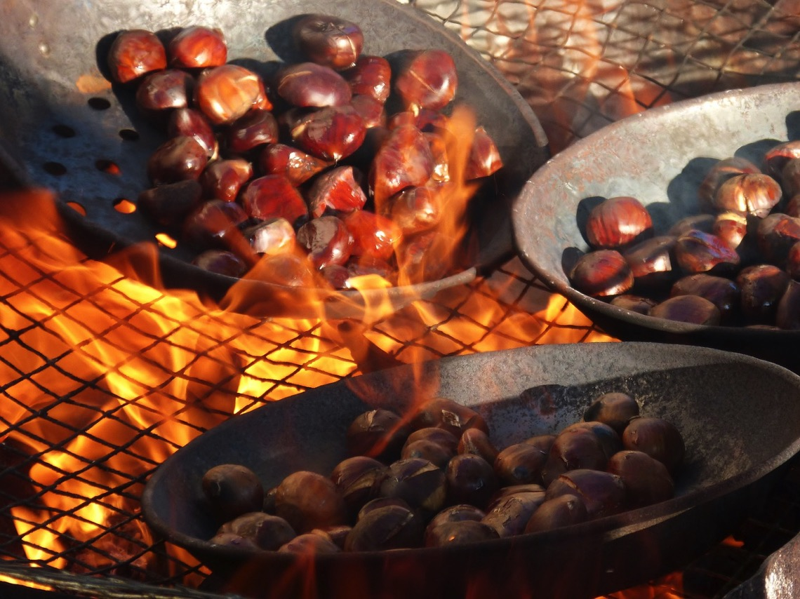 chestnuts-roasted-in-a-pan-on-open-fire