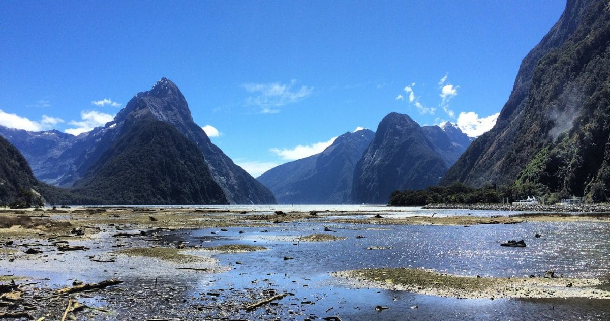 New Zealand is known for its stunning, jaw-dropping scenery. (Photo credit: the girl with the map tattoo)