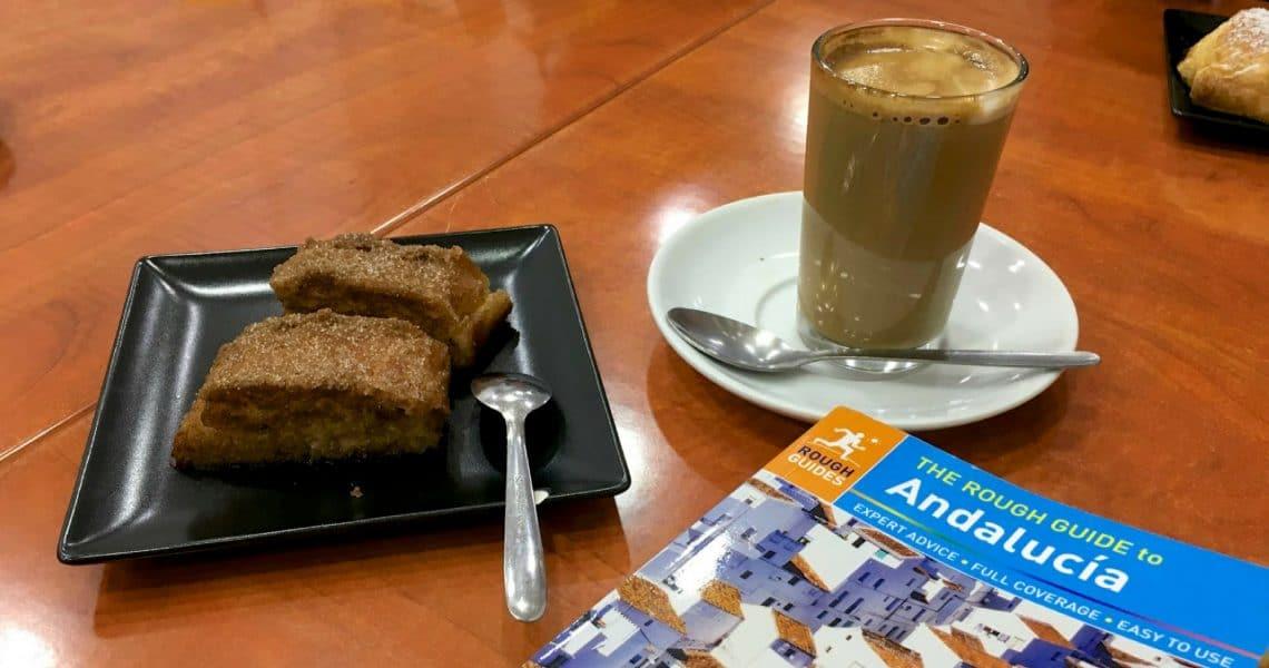 Un café con leche y torrijas por favor. (Photo Credit: Christine Cognieux)